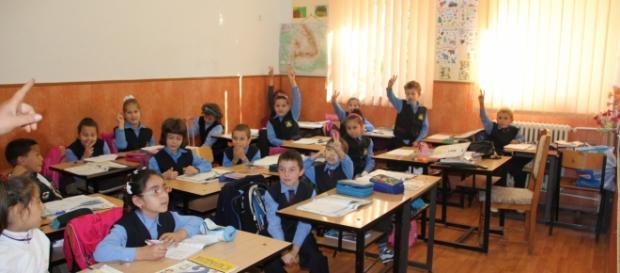 5 copii au acuzat probleme respiratorii la scoala 99 din Capitala