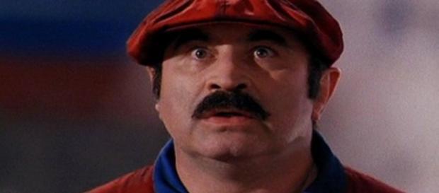 Bob Hoskins, no filme Super Mario Bros, de 1993.
