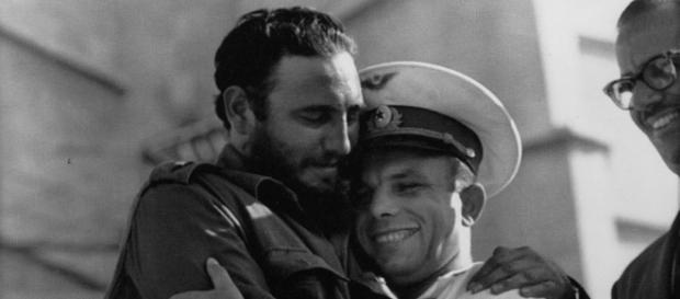 En una ocasión se le preguntó a Fidel Castro qué era para el SOCIALISMO DEL SIGLO XXI y sin duda alguna respondió: EL COMUNISMO
