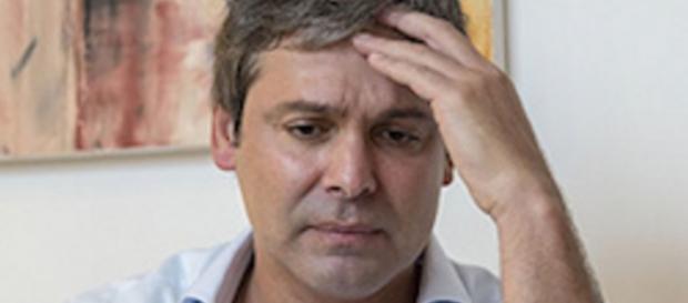 Lindbergh Farias comete ato falho na internet