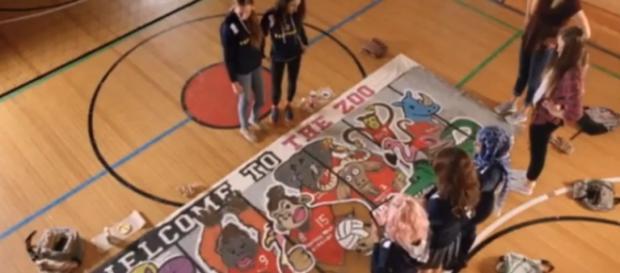Screenshot shot from first episode (via degrassi.wikia)