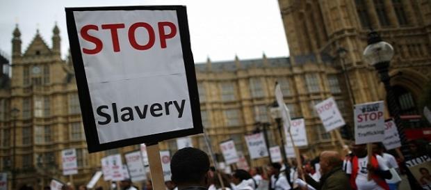 """Secondo il rapporto dell'organizzazione australiana """"Free Walk Foundation"""", 46 milioni di persone nel mondo sono ridotte alla schiavitù."""