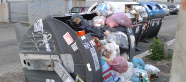 Ultime notizie Roma, martedì 31 maggio 2016: emergenza rifiuti