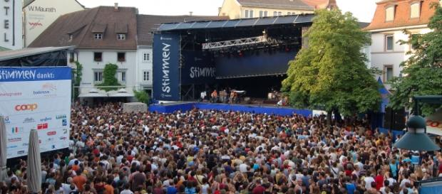 Un grup de solicitanți de azil au agresat sexual 18 femei la un concert în aer liber din Germania