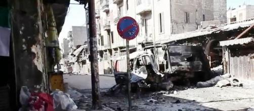 Algunos informes dicen que el ataque ha sido por parte de aviones de guerra sirios o rusos