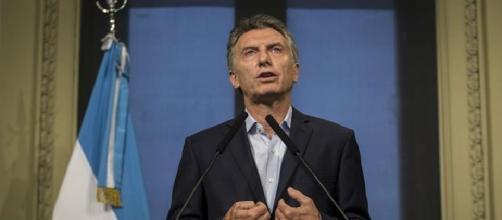 Conferencia de prensa de Macri, pidiendole a Massa que no apoye la ley anti despidos