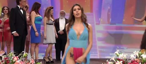 Eleonora D'Alessandro imita Belen Rodriguez