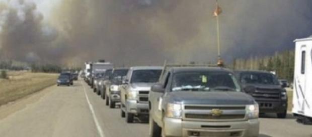 evacuación de la ciudad por carretera