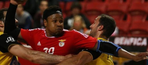 A jogar em casa, Benfica superiorizou-se ao ABC
