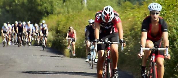 O ciclismo de estrada foi a primeira modalidade a ser disputada em cima de uma bicicleta.