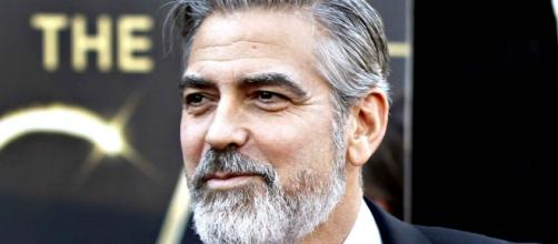Il cinquantacinquenne attore George Clooney