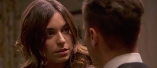 Il Segreto, Genaro bacia Mariana