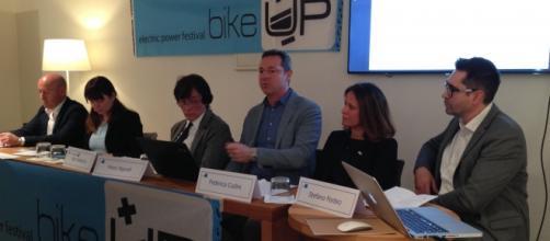 Il tavolo degli esperti e degli organizzatori di BikeUP 2016 durante la conferenza stampa di presentazione