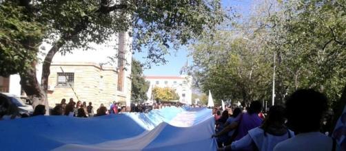 La imagen muestra las primeras semanas de la lucha docente, antes de que el gobierno demostrara su desprecio por la comunidad educativa.