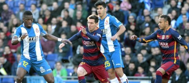 Este domingo FCB y el Español jugarán su derbi número 200.