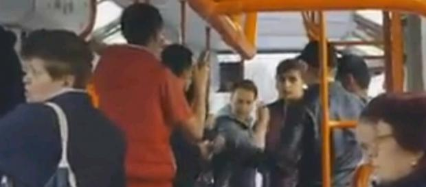 Scandal în tramvaiul 41 din Bucureşti
