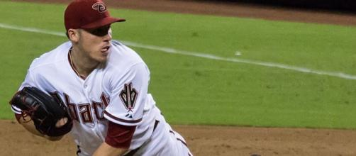 https://upload.wikimedia.org/wikipedia/commons/thumb/0/03/Dbacks_P_Patrick_Corbin_%289483063792%29.jpg/833px-Dbacks_P_Patrick_Corbin_%289483063792%29