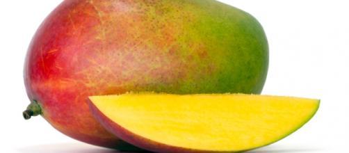 Il mango un frutto dalle interessanti proprietà salutari