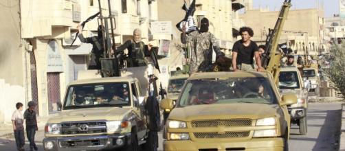 Los yihadistas sufren una severa ola de deserciones ante la crisis finaciera que atraviesan.