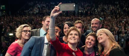 Nicola Sturgeon, en un mitin de su partido (SNP)