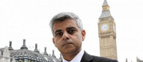 Sadiq Khan, primo musulmano ad essere eletto sindaco di Londra