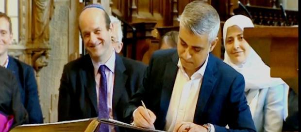 Asume el alcalde musulmán de Londres EFE