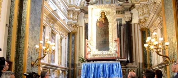 Festa della Madonna di Capocolonna. Fonte :https://www.youtube.com/watch?v=WLA6r7KZSyU