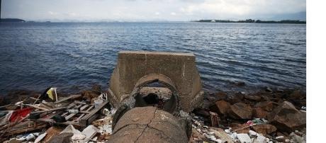 Jornal americano chama as águas do Rio de esgoto e pede provas em outro país