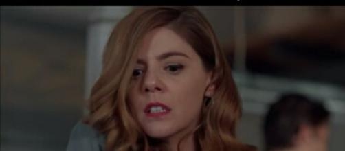 Cristina aggredisce Ana, dopo aver saputo della gravidanza.