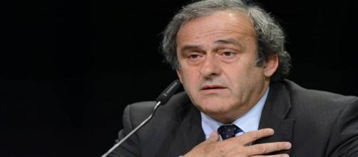 Dimite Michael Platini a la presidencia de la UEFA