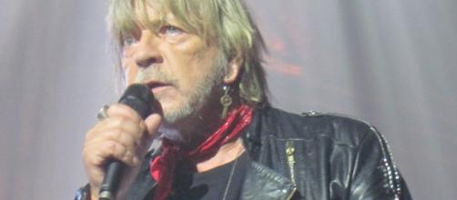 Renaud concert 2016 - France - CC BY