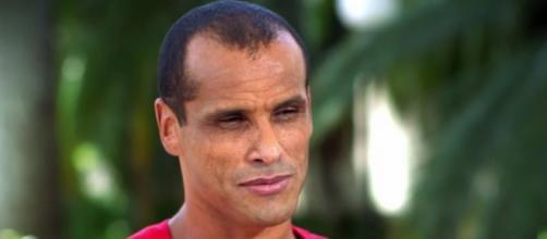 Rivaldo alerta turistas sobre a violência no Rio de Janeiro e no Brasil