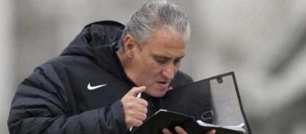 Com lista em mãos, Tite vai decidir quem deixará o Corinthians