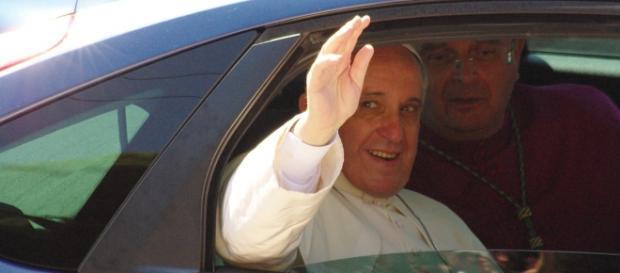 Papa Francesco: svolta, sì alla donna diacono