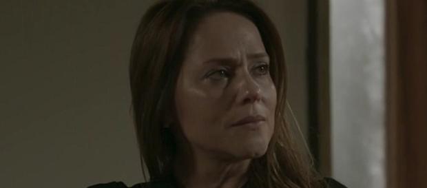 Para desespero de Lili, ela ainda não sabe quem é o pai, e corre para fazer o exame.