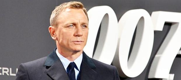 Daniel Craigh interpreta, mais uma vez, o clássico agente britânico James Bond, no filme 007 Contra Spectre.