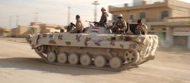 l'esercito iracheno entra a Fallujah