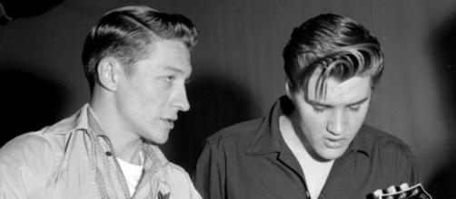 Primeiro guitarrista de Elvis morre aos 84 anos