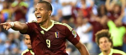 Salomon Rondon elimina l'Uruguay dalla Copa America del Centenario