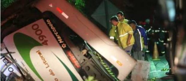 Acidente está entre os dez maiores ocorridos com ônibus no Brasil