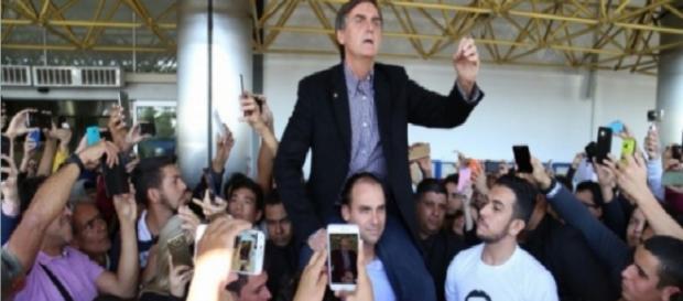 Bolsonaro é bem recebido em Campo Grande