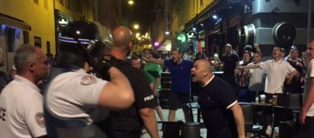 Gli ultras inglesi hanno causato provocazioni e scontri a Marsiglia