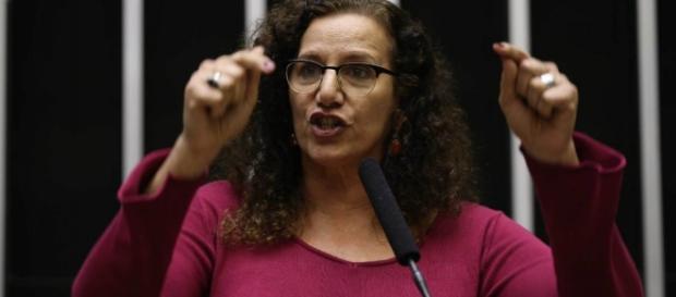 Jandira Fegalli recebeu dinheiro de empreiteiras, diz site
