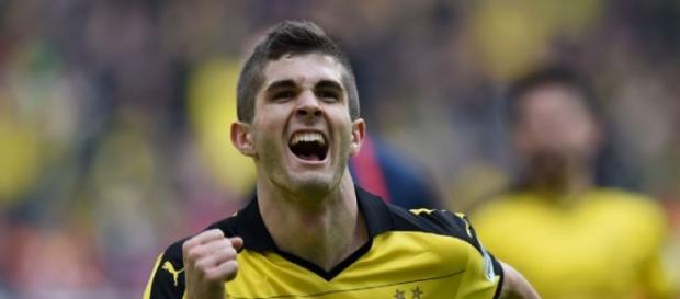 Pusilic, anotando con el Dortmund. Ha jugado 9 partidos en la presente temporada