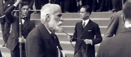 El arquitecto Antoni Gaudí, ya en su vejez.