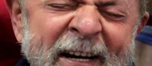 Ex-presidente é acusado de prejudicar investigações da Lava Jato