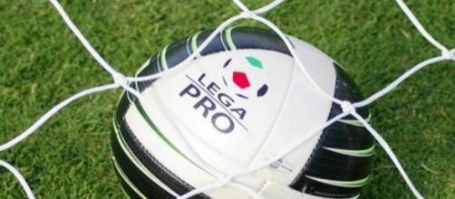 Il pallone del campionato di Lega Pro