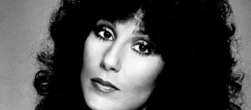 La cantante Cher -Di Casablanca Records-