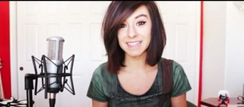 La giovane cantante uccisa, Christina Grimmie, in un video di You tube.