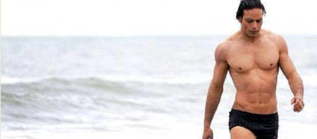 Il sex symbol e attore Gabriel Garko